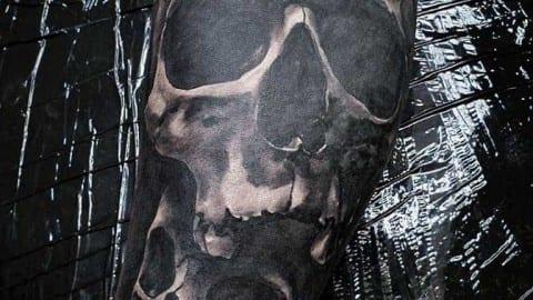 czarnoszary tatuaz czaszki
