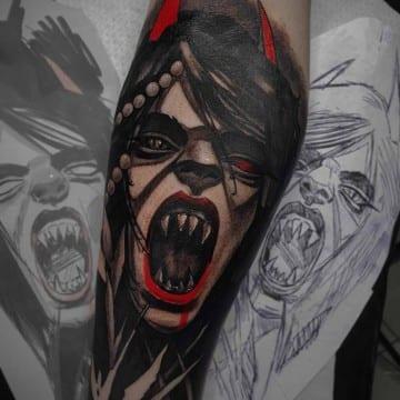mroczny neotradycyjny tatuaz