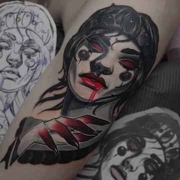 mroczny potret neotradycyjny tatuaz