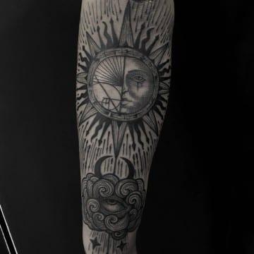słońce tatuaż graficzny