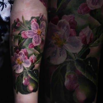 tatuaz kolorowy kwiaty