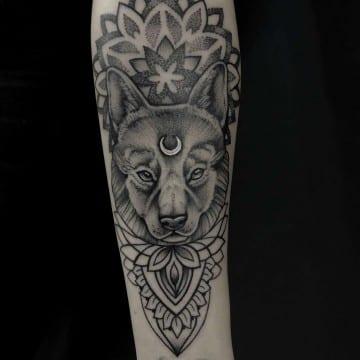 wilk tatuaż graficzny