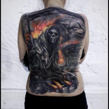tatuaż na plecach smierć
