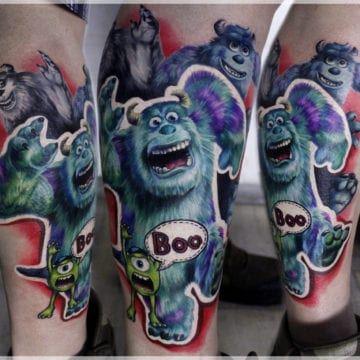 tatuaz na nodze realizm